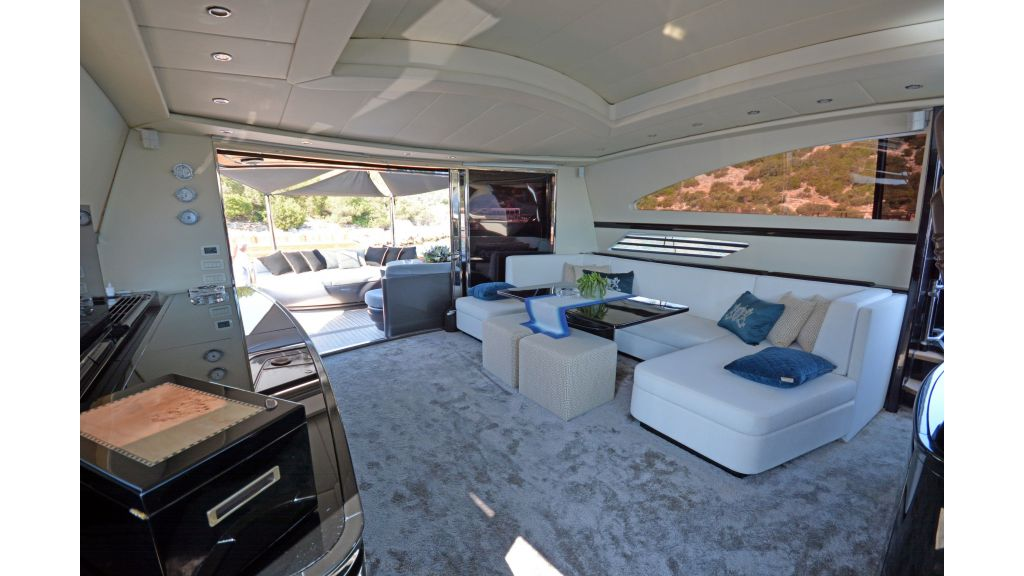 Pershing 88 For Charter (56)