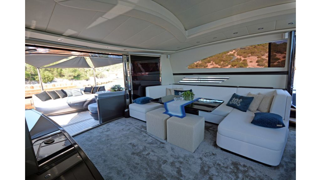 Pershing 88 For Charter (58)