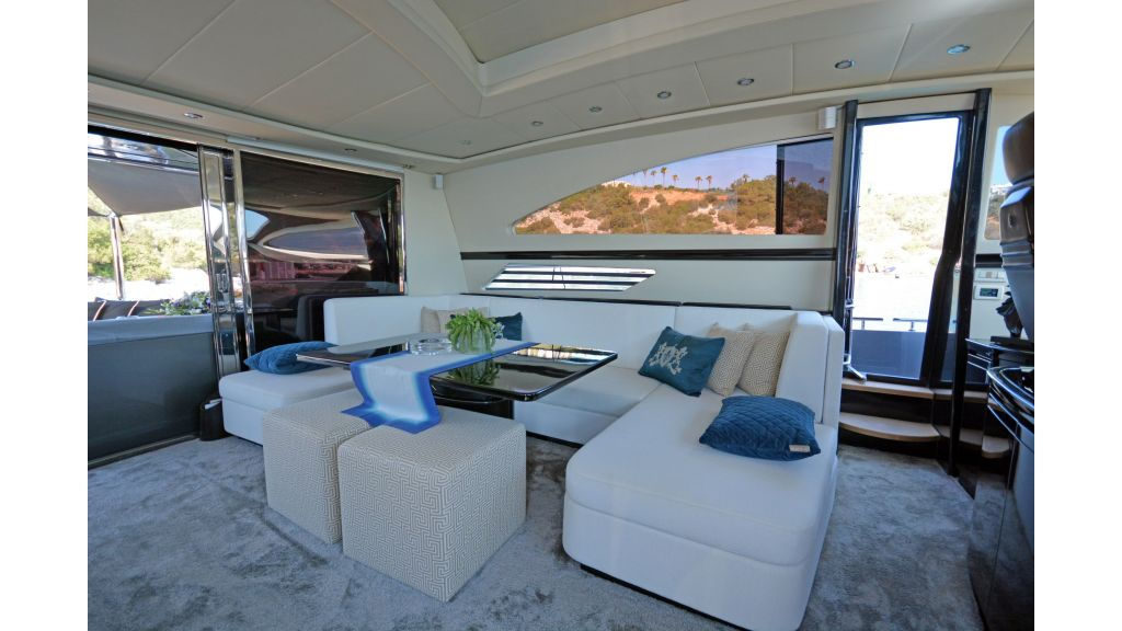 Pershing 88 For Charter (60)