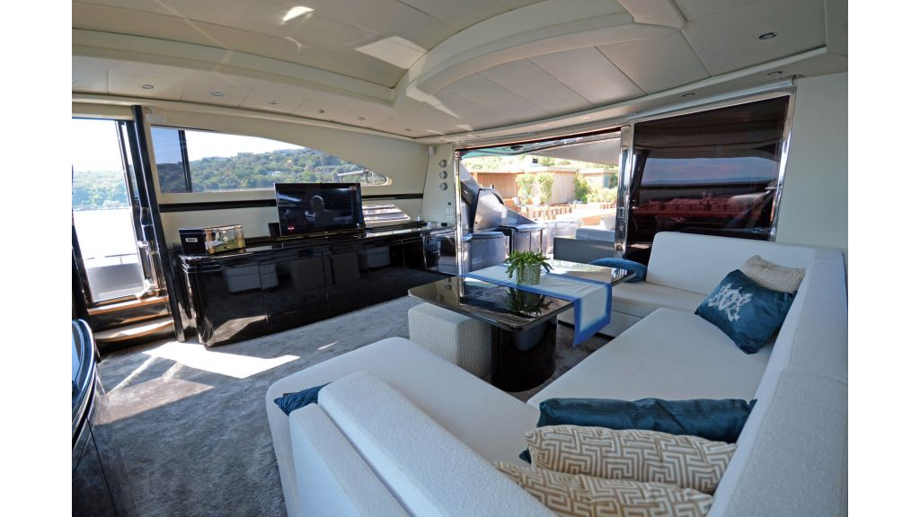 Pershing 88 For Charter (62)