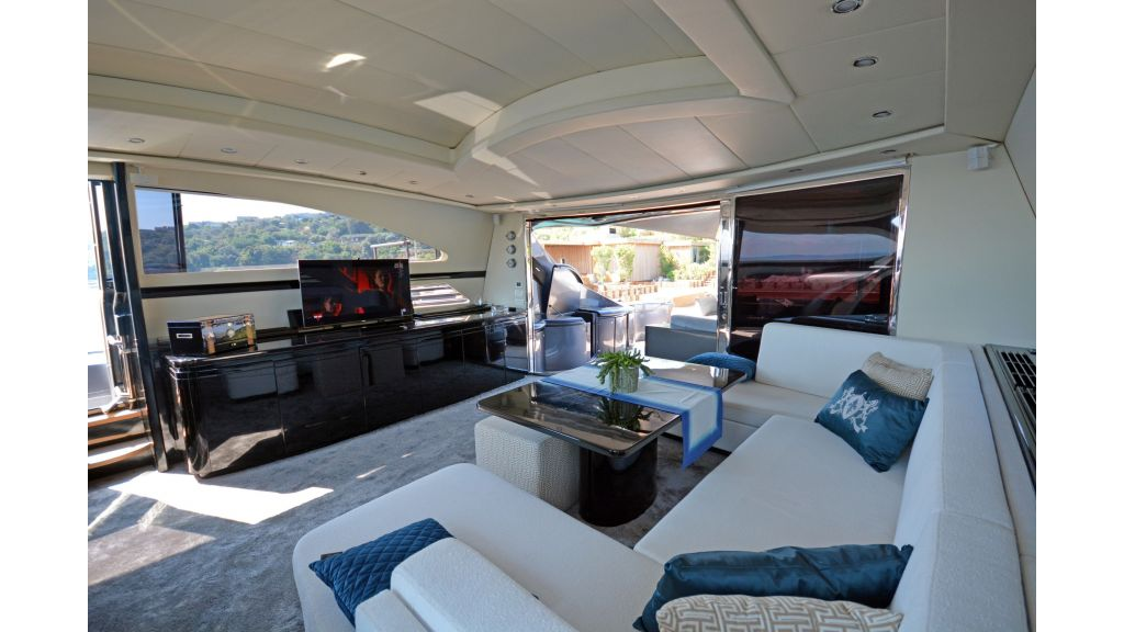 Pershing 88 For Charter (63)