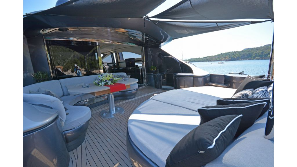 Pershing 88 For Charter (66)