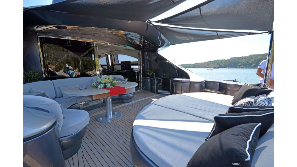 Pershing 88 For Charter (67)