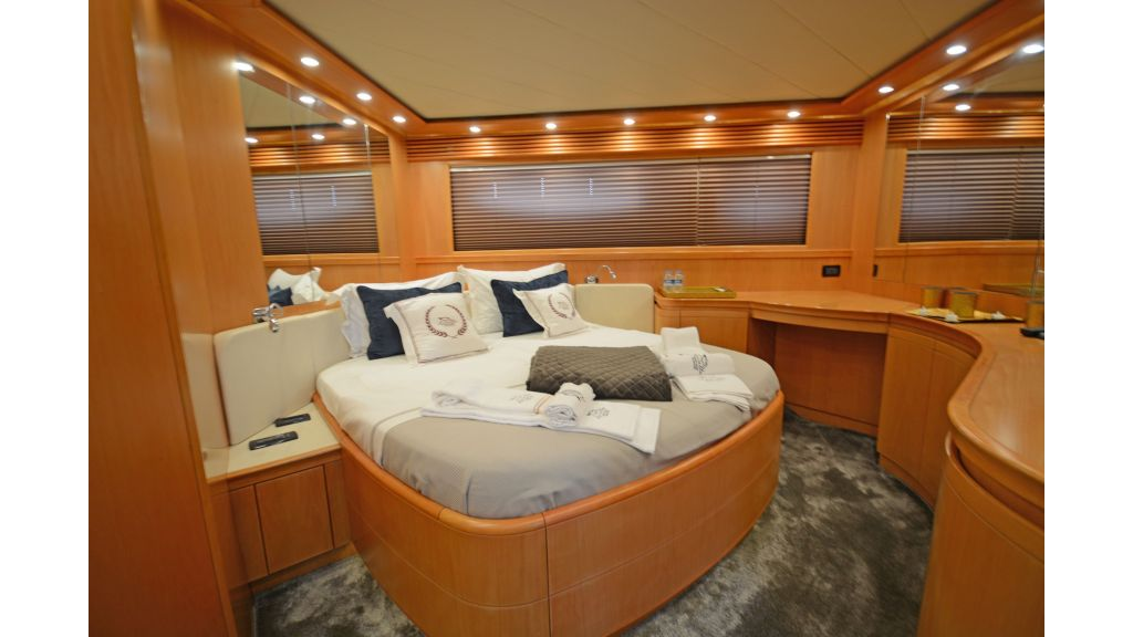 Pershing 88 For Sale (10)