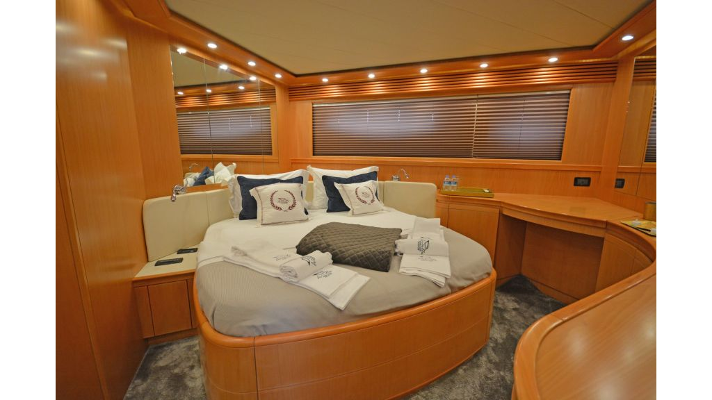 Pershing 88 For Sale (15)