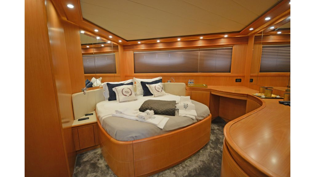 Pershing 88 For Sale (16)
