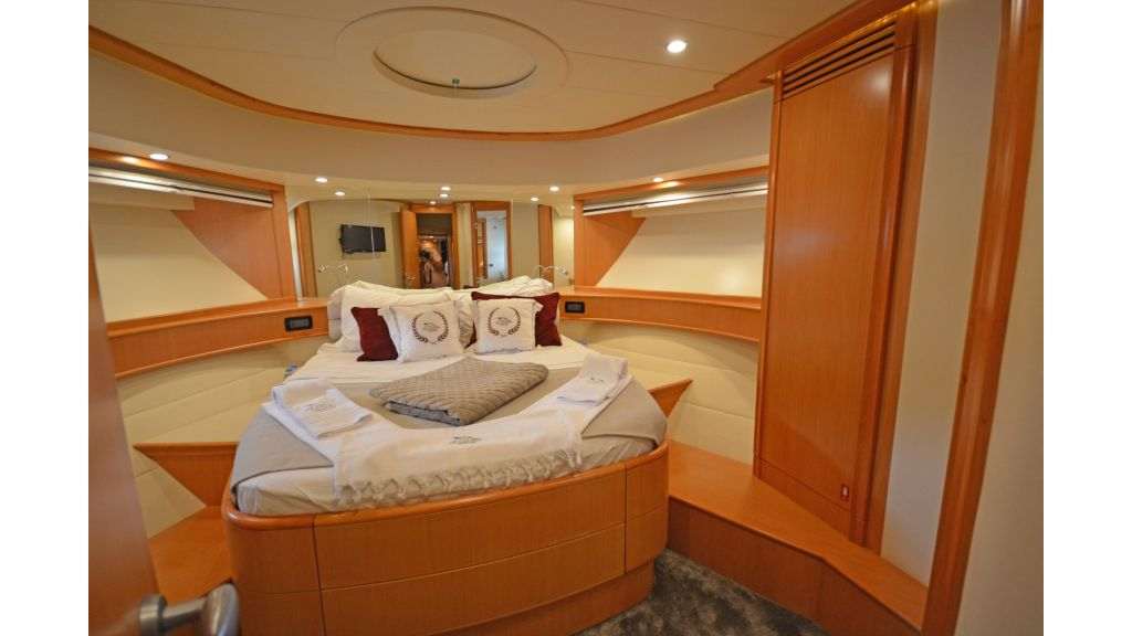 Pershing 88 For Sale (31)
