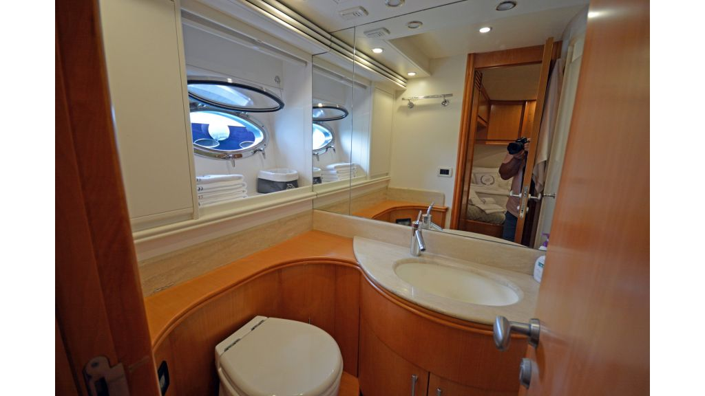Pershing 88 For Sale (40)