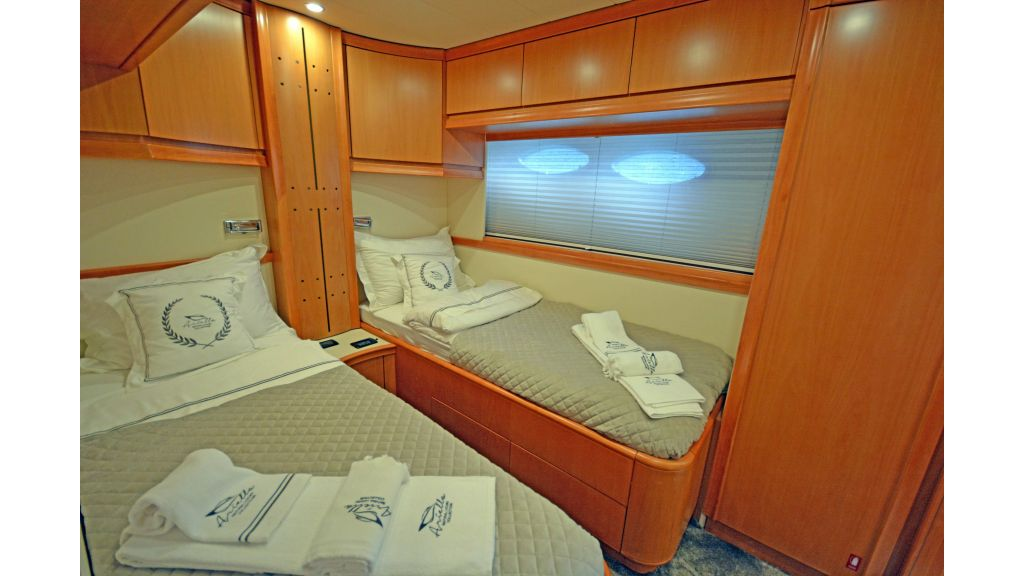 Pershing 88 For Sale (41)