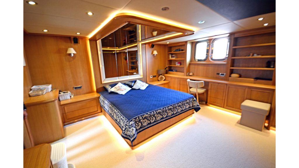 Steel Hull 30m Trawler (37)