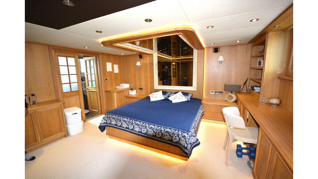Steel Hull 30m Trawler (39)