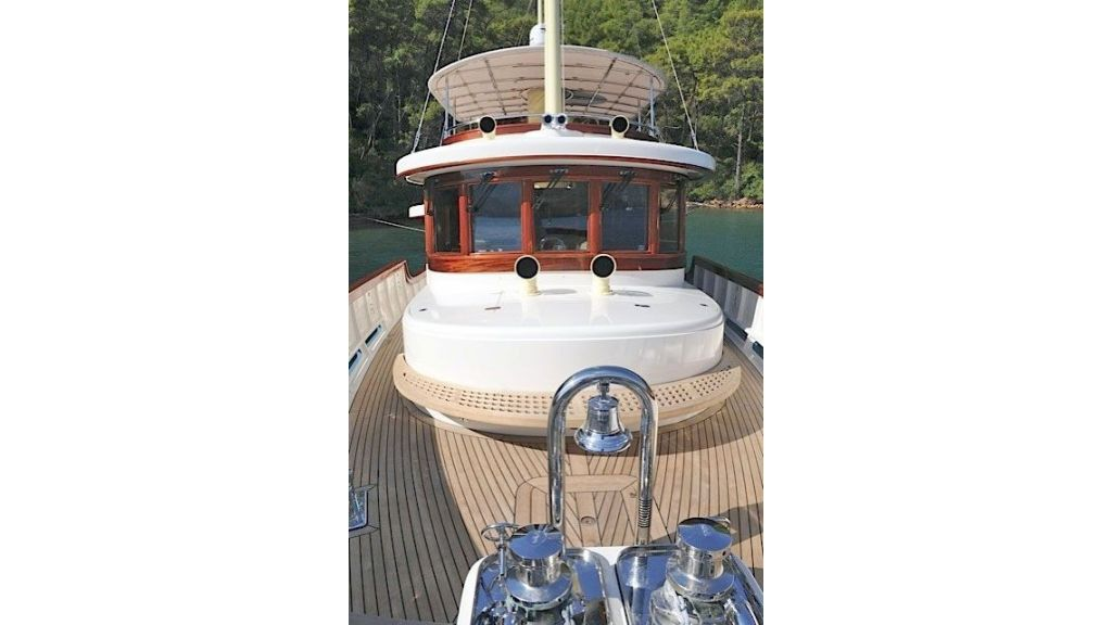 Larimar-Classic-Motoryacht-(1)