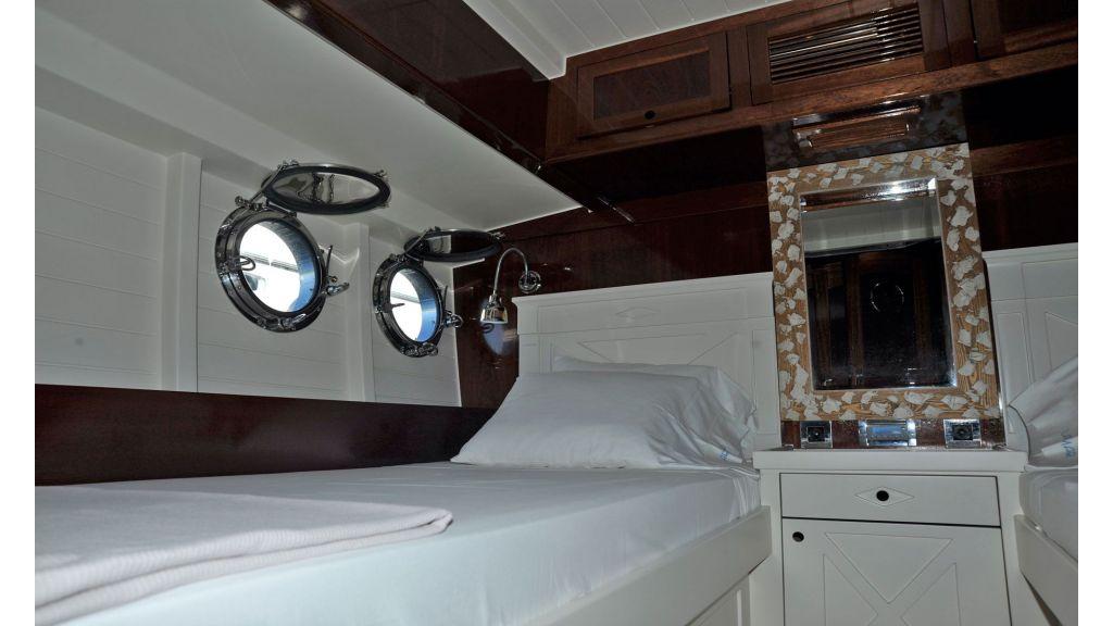 Larimar-Classic-Motoryacht-(15)