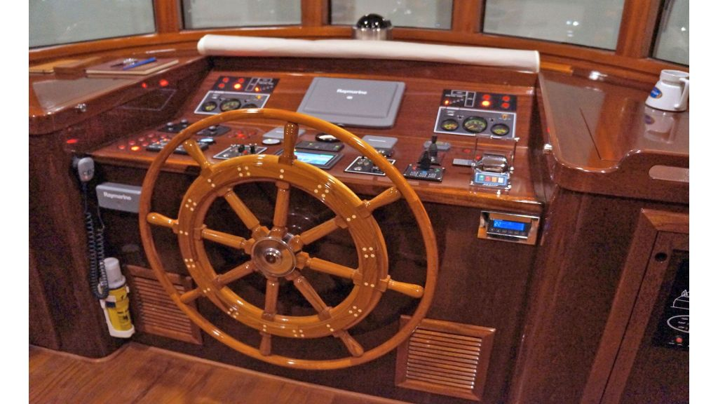 Larimar-Classic-Motoryacht-(16)