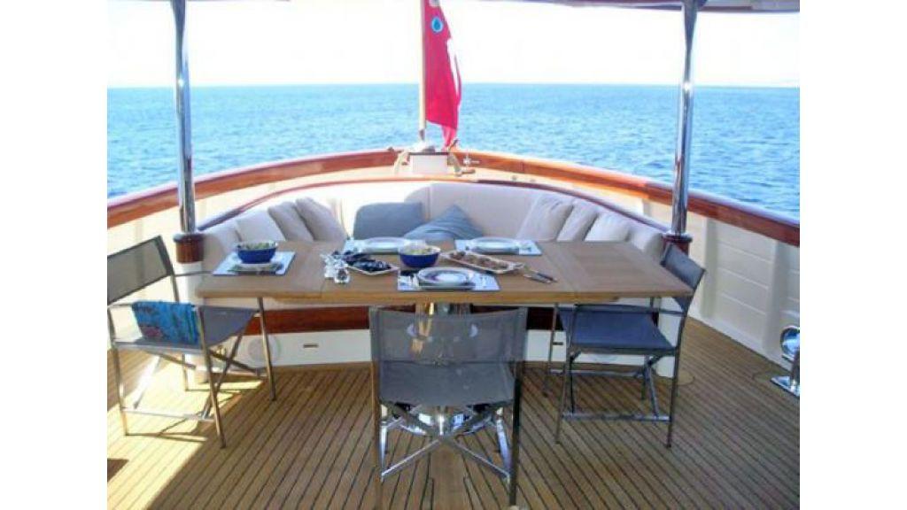 Larimar-Classic-Motoryacht-(2)