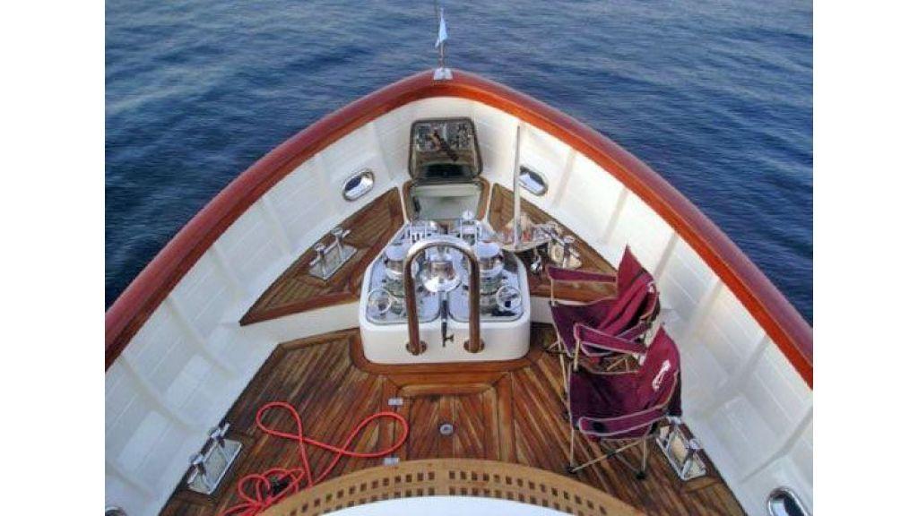 Larimar-Classic-Motoryacht-(3)