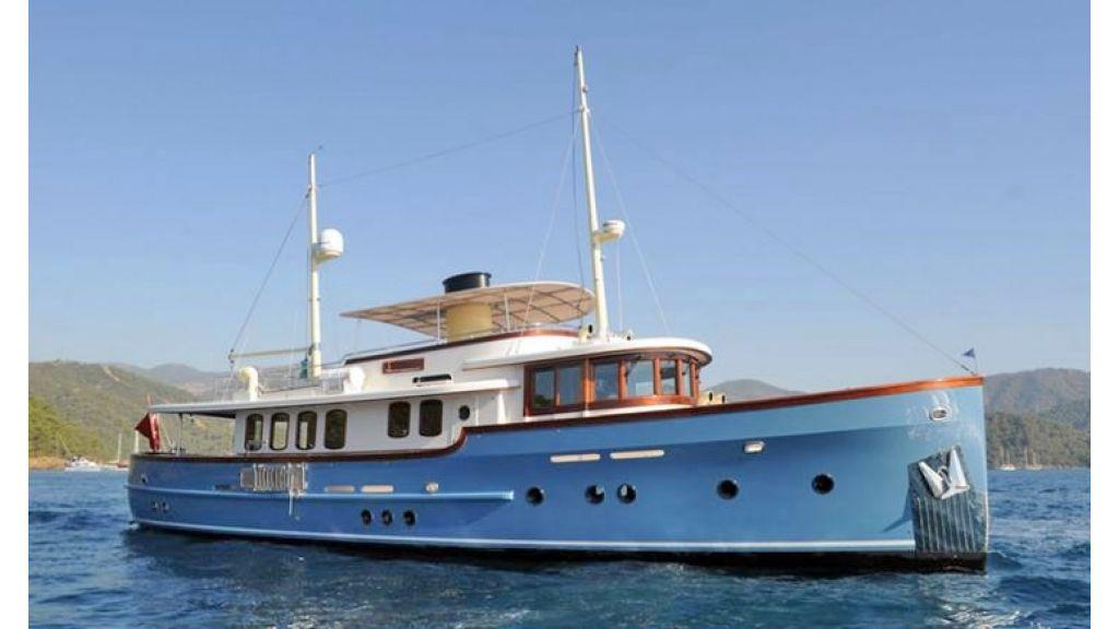 Larimar-Classic-Motoryacht-(4)