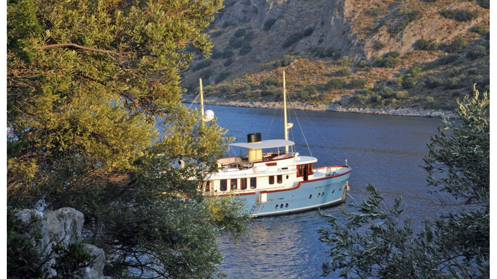 Larimar-Classic-Motoryacht master.