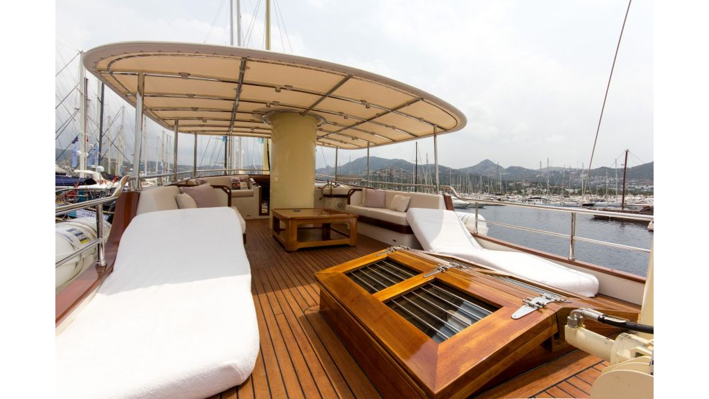 Larimar Motor Yacht (11)