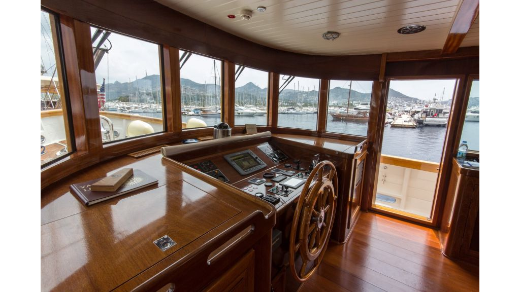 Larimar Motor Yacht (12)