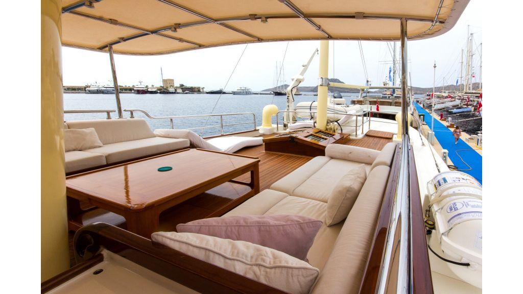 Larimar Motor Yacht (14)