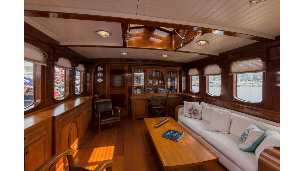 Larimar Motor Yacht (17)