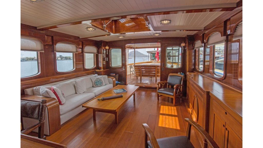 Larimar Motor Yacht (18)