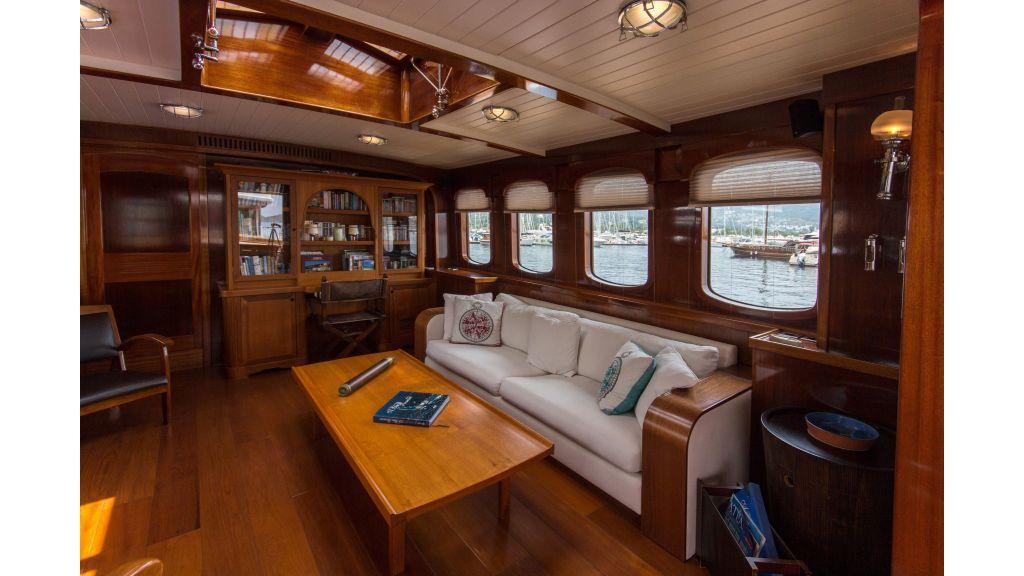 Larimar Motor Yacht (22)