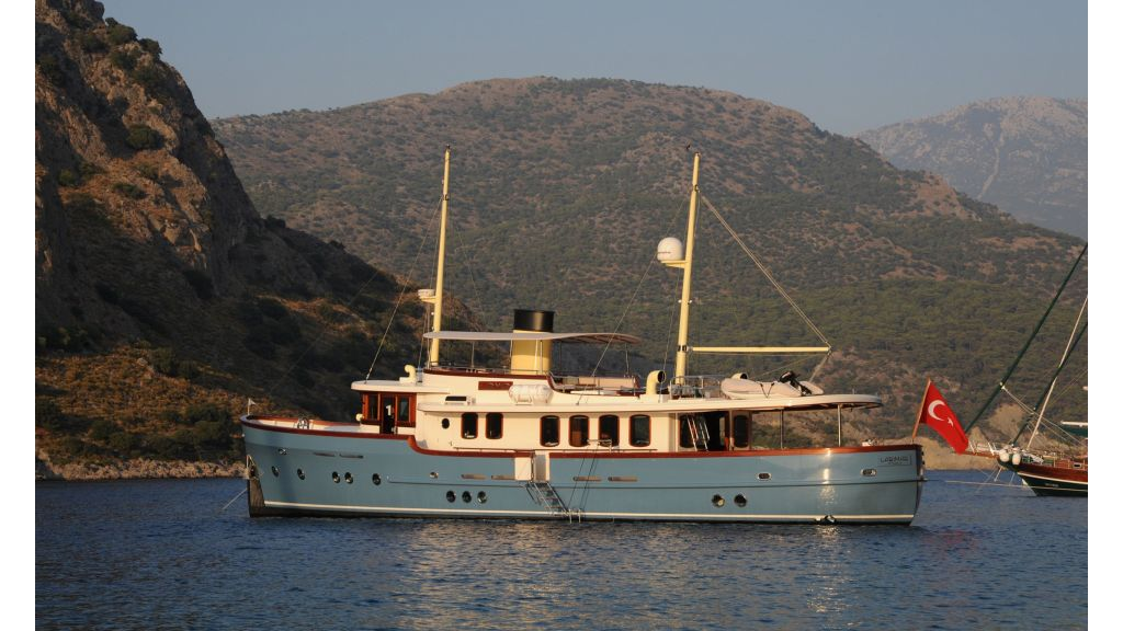 Larimar Motor Yacht (42)
