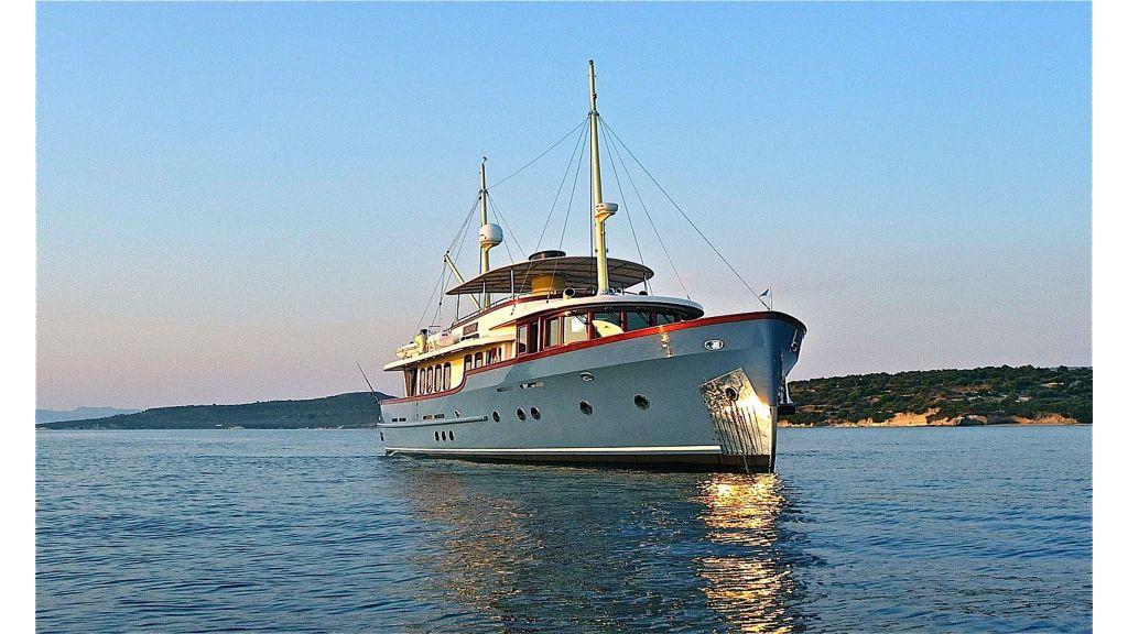 Larimar Motor Yacht (43)