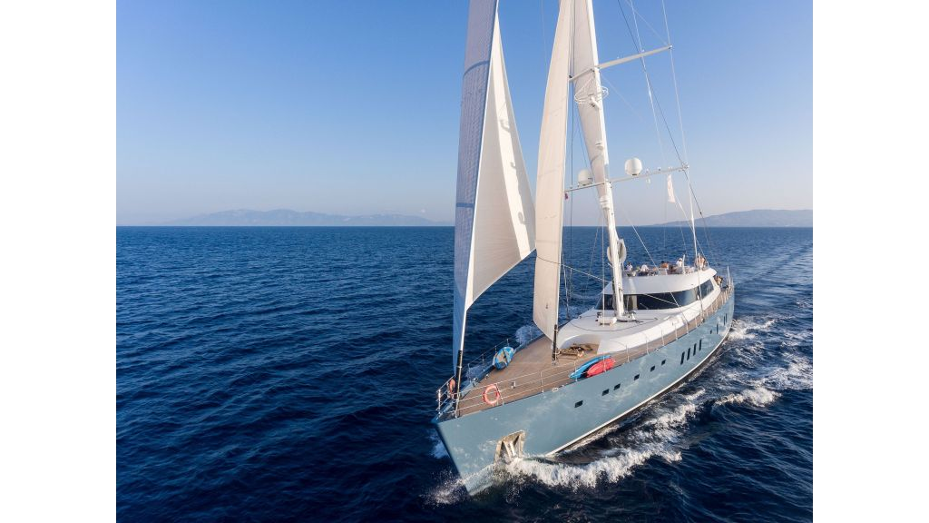 Sailing Yacht All About U (2)