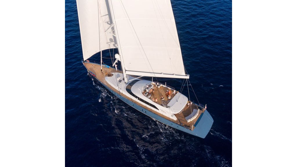 Sailing Yacht All About U (9)