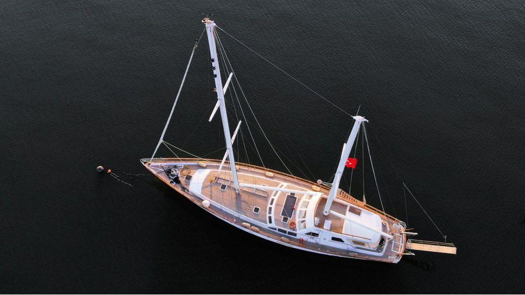 Sailing Yacht Eloa (5) - master