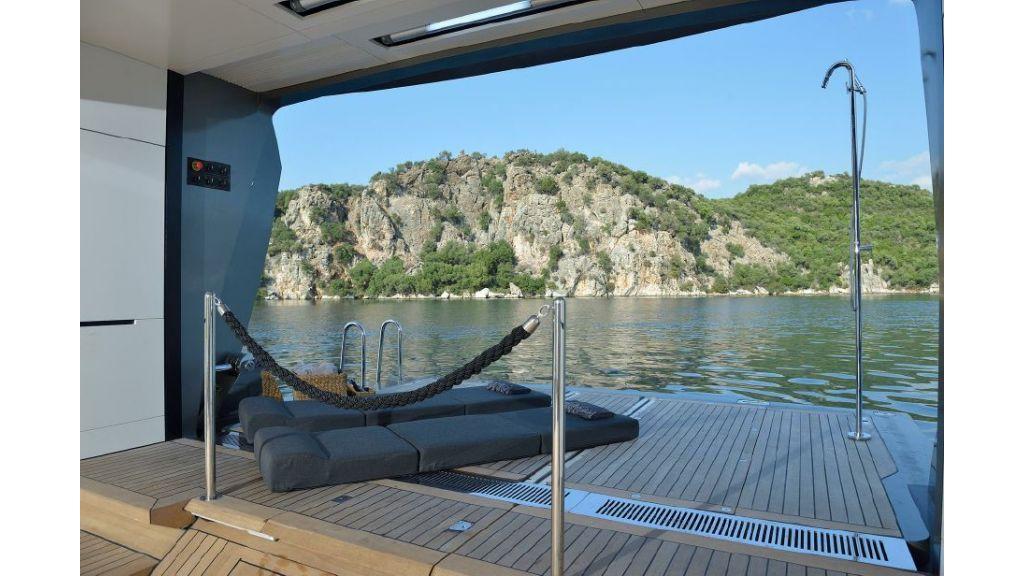 FX Motor Yacht (10)
