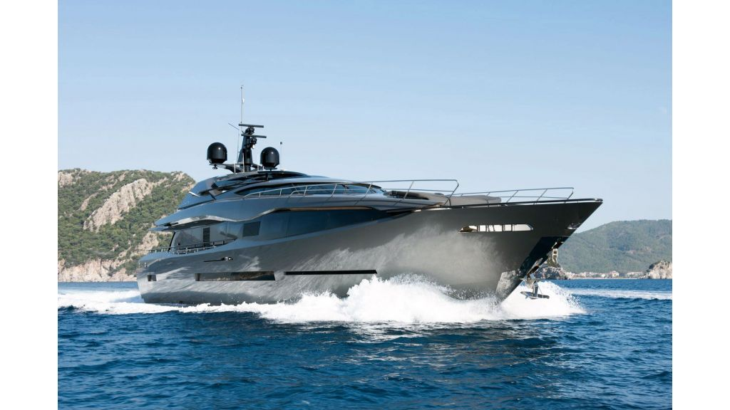 FX Motor Yacht (27)