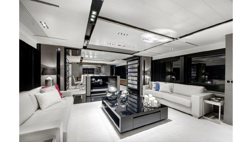 FX Motor Yacht (3)