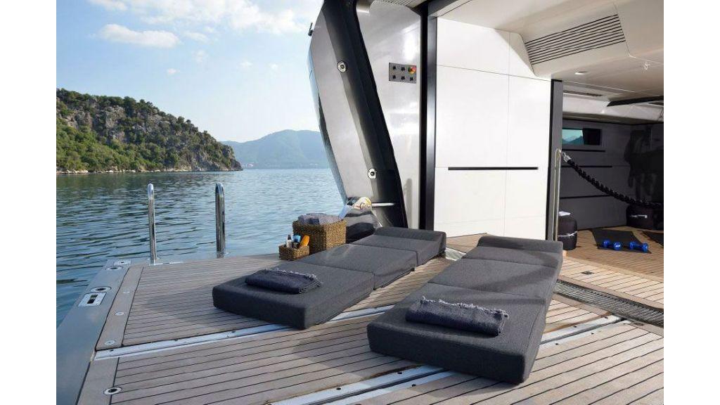 FX Motor Yacht (30)