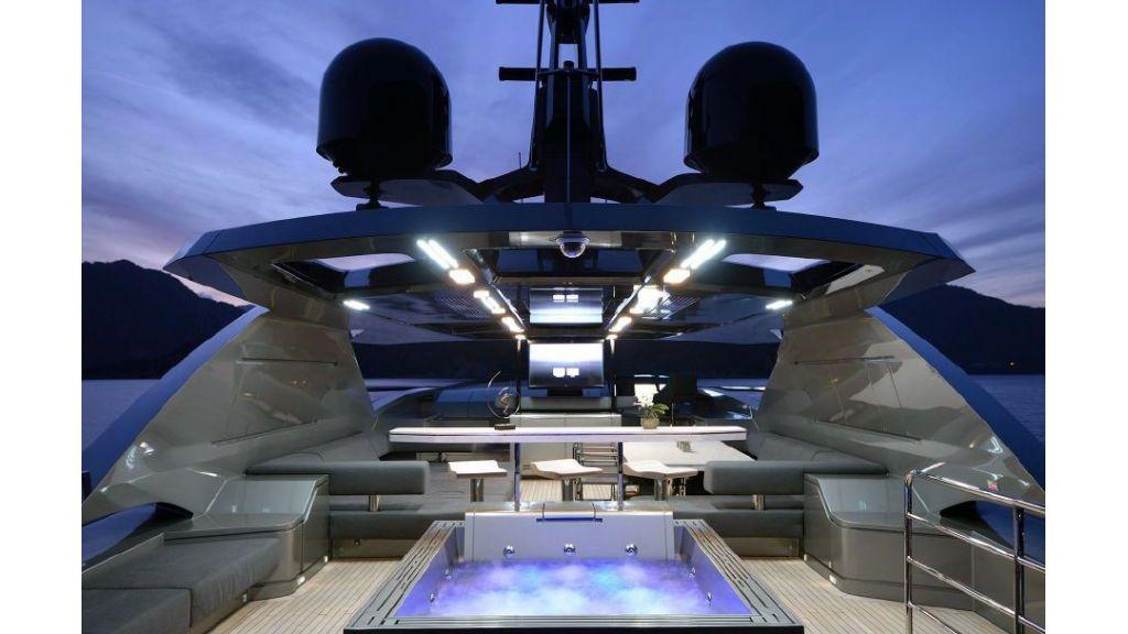 FX Motor Yacht (32)