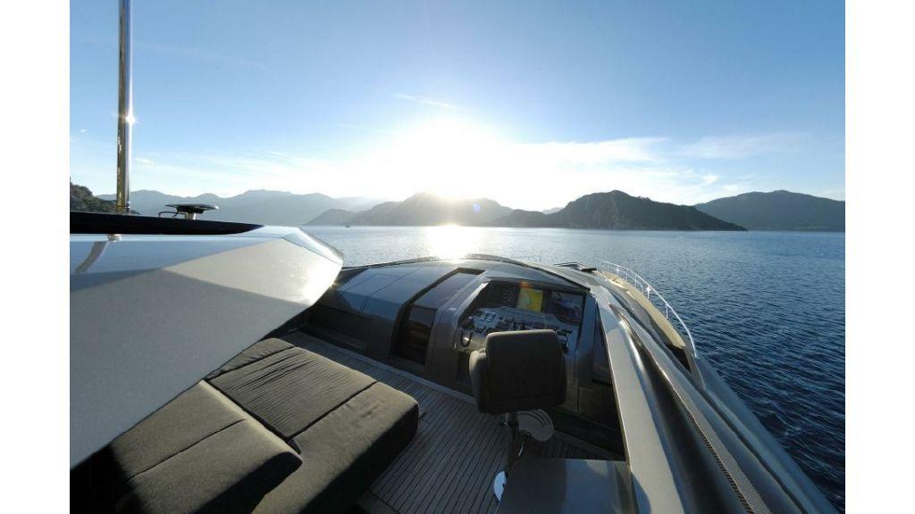 FX Motor Yacht (9)