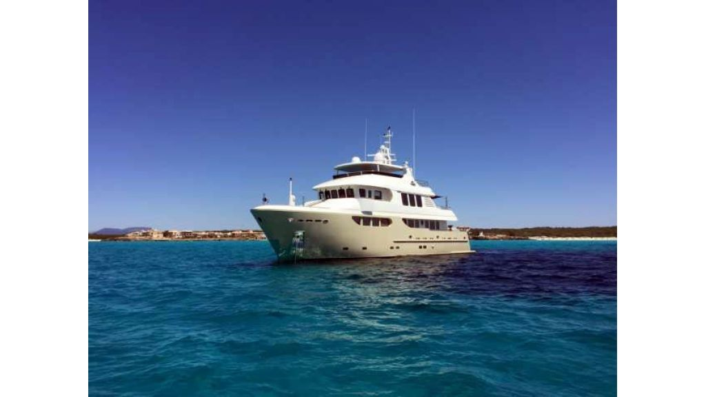 Bandido 90ft Trawler For Sale (1)