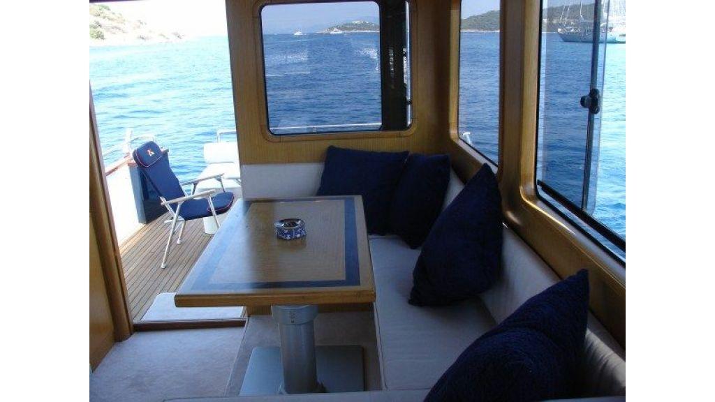 Epoxy Laminated 10,5 meter Trawler 13
