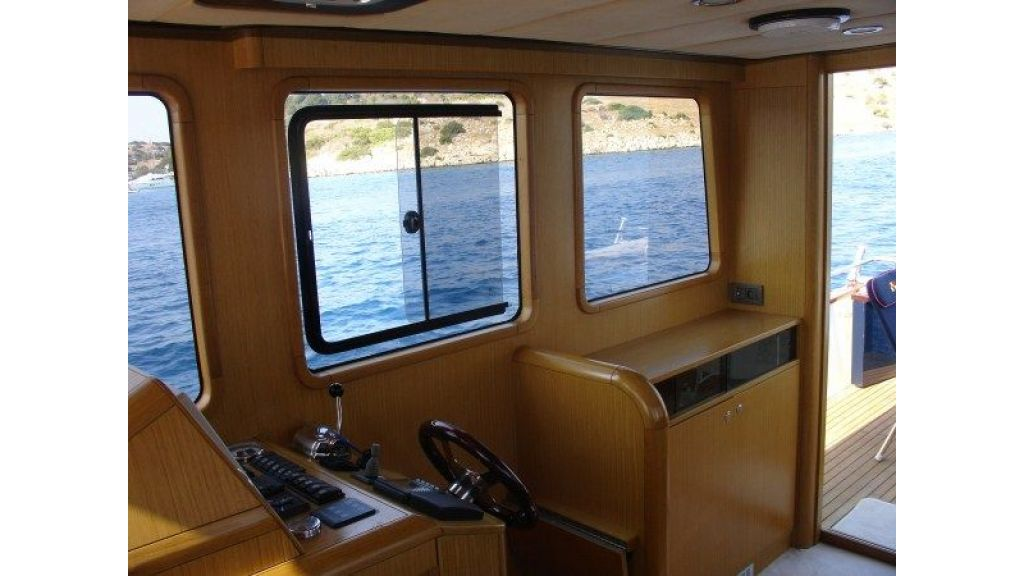 Epoxy Laminated 10,5 meter Trawler 14