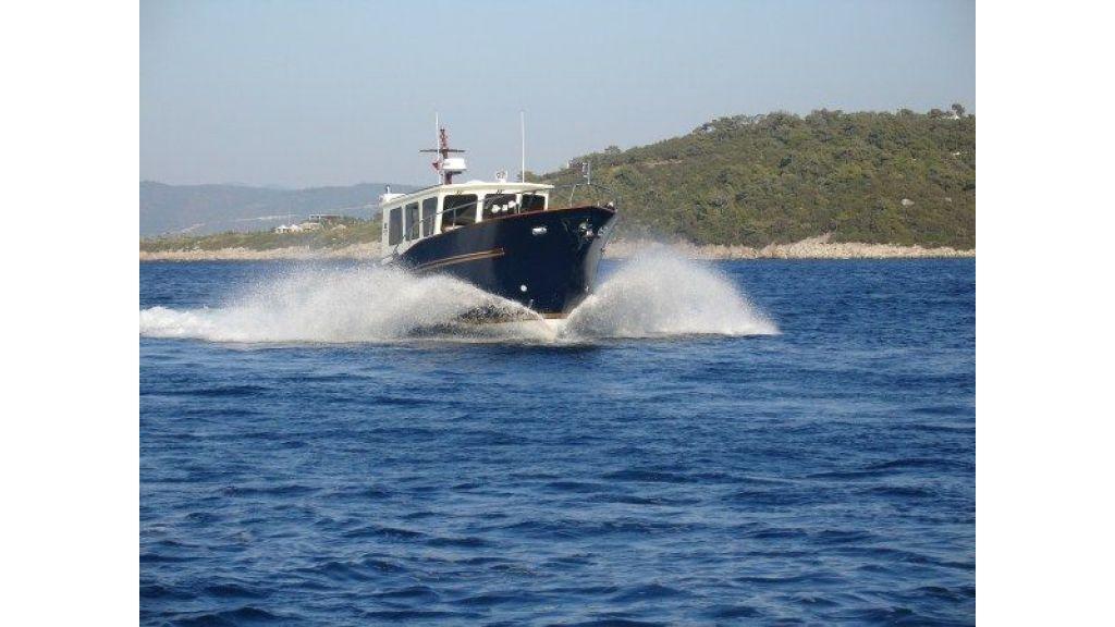 Epoxy Laminated 10,5 meter Trawler 2