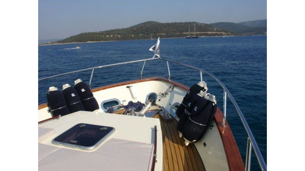 Epoxy Laminated 10,5 meter Trawler 23