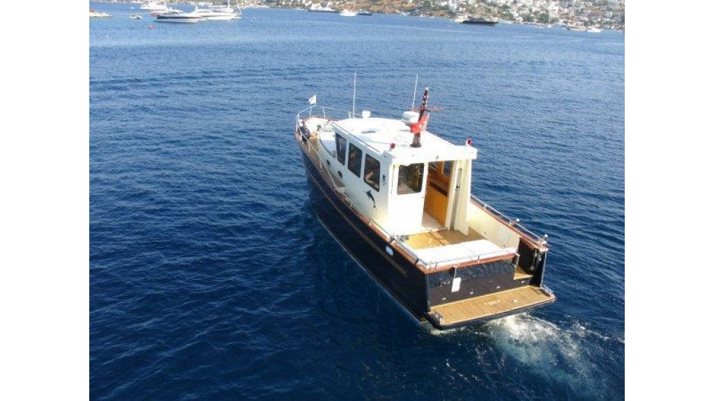 Epoxy Laminated 10,5 meter Trawler 9