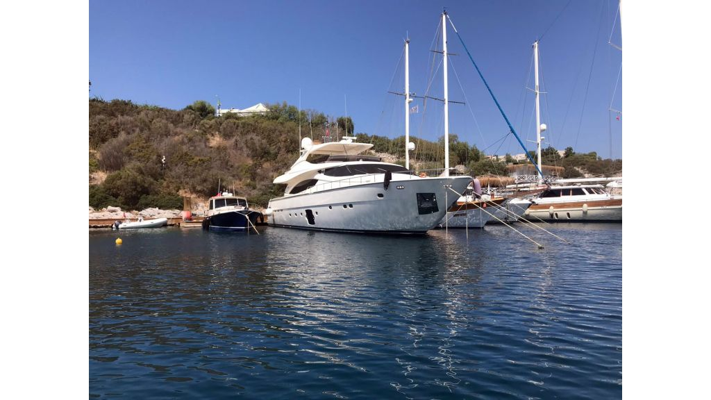Ferretti 881 For Sale (1)