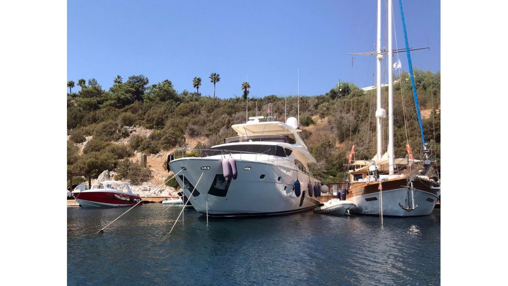 Ferretti 881 For Sale (36)