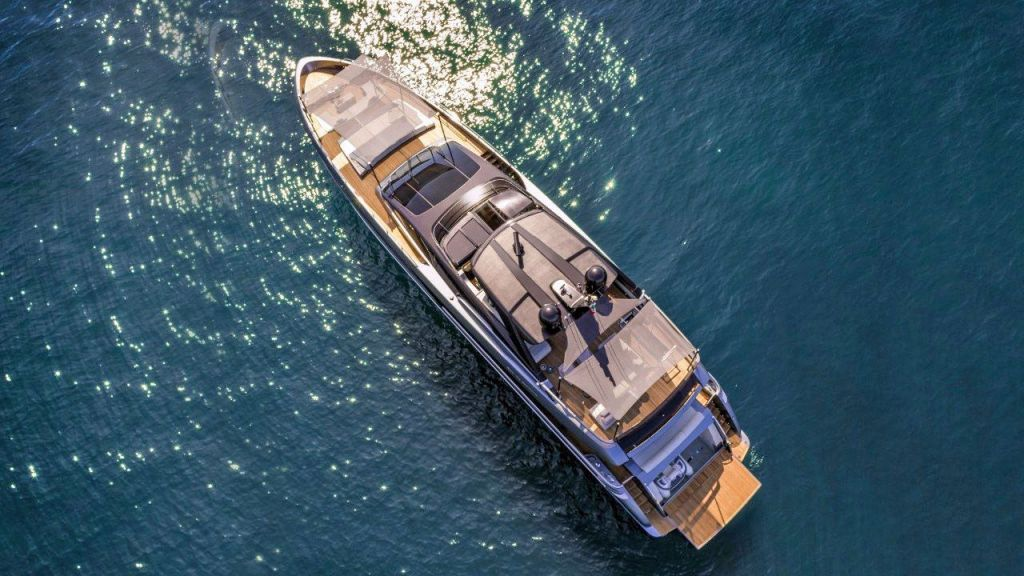 Riva 100 Corsaro motor Yacht (11)