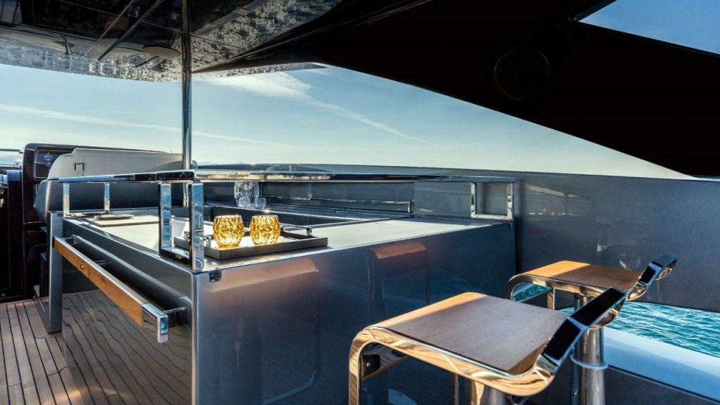 Riva 100 Corsaro motor Yacht (13)
