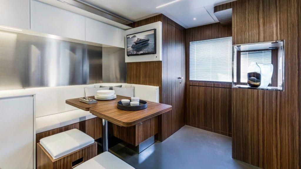 Riva 100 Corsaro motor Yacht (24)